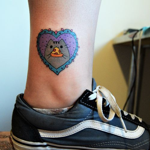 #pusheen #pusheentattoo #pizza #practice #learning #learningtotattoo #everythingpossible #tattoos #tattooedgirls #tattoolifestyle #tattoonewbie #ink #inked #daretochange #daretobedifferent #beginnertattooartist #tattoosession #pizzatattoo   #myinkprints2019
