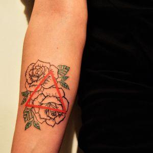 #herfirsttattoo #getinked #youcandoit #geometrictattoos #tattoos #ink #beginnertattooartist #gangsta #learning #daretochange #daretobedifferent #learningtotattoo #tattoolifestyle #tattooing #newbietattooartist #newink #myinkprints2019