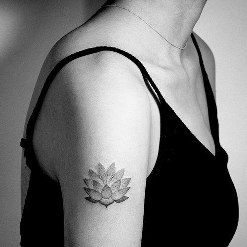 #nana #nanatattoo #surrealismtattoo #popsurrealism #tattooart #tattooberlin #tattooartmag #tattodo #tattoo #tattooideas #tattooinspiration #europetattoo #berlintattoo #hamburgtattoo #berlin #tattooartist #tatt #ttt #ttism #tattooing #creativetattoo #dotworktattoos #sketchtattoos #blackink #tattoos #berlin #designtattoo #design