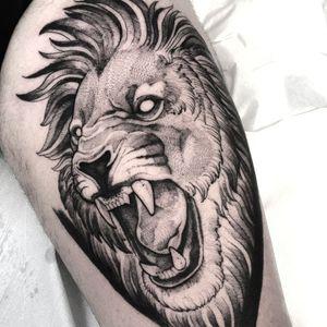 -Lion- #blackwork #blackworktattoo #tattooitalia #napolitattoo #blacktattoo #liontattoo #liontattoos #blackworker #blackworkitaly #blackandgrey #Black #lion
