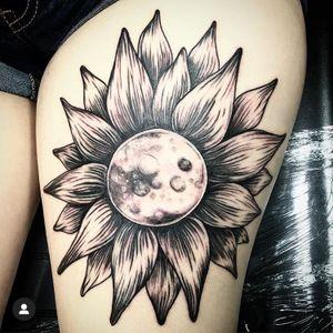 Moonflower. #jasonvtattoo #horror #metal #punk #demon #evil #girl #girlswithtattoos #blood #illustrative #fineline #Black #blackandgrey #flower #moon