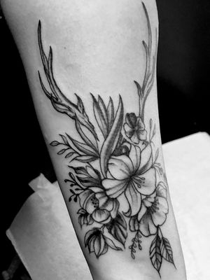 Floral with antlers