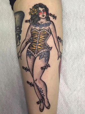 Pin Up tattoo by Sonia Cash #SoniaCash #pinuptattoos #pinuptattoo #pinup #pinupgirl #lady #babe
