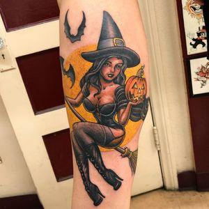 Pin Up tattoo by Tim Hendricks #TimHendricks #pinuptattoos #pinuptattoo #pinup #pinupgirl #lady #babe