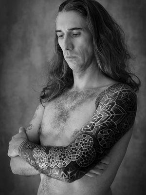 Sleeve tattoo by Xnazax #Xnazax #sleevetattoos #legsleeve #armsleeve #sleeve #fullsleeve #halfsleeve #tattooidea #sacredgeometry #geometric #mandala #dotwork #blackwork