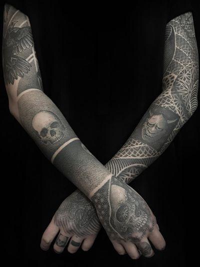 Sleeve tattoo by Guy Waisman #GuyWaisman #sleevetattoos #legsleeve #armsleeve #sleeve #fullsleeve #halfsleeve #tattooidea #dotwork #blackandgrey #skull #hannya #hand #mandala #pattern #sacredgeometry