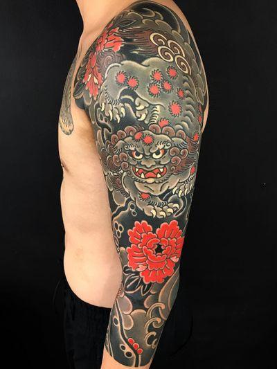 Sleeve tattoo by Kiku #Kiku #sleevetattoos #legsleeve #armsleeve #sleeve #fullsleeve #halfsleeve #tattooidea #Japanese #foodog #shishi #peony