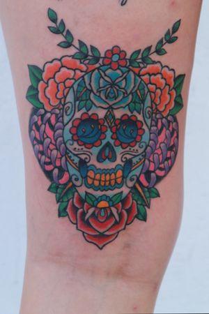 Sugar skull on back of thigh by Travis Luckhurst