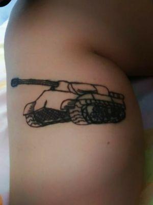 Este fue el primer tatuaje que hice en Saturno Studio, un diseño de mi para mi.