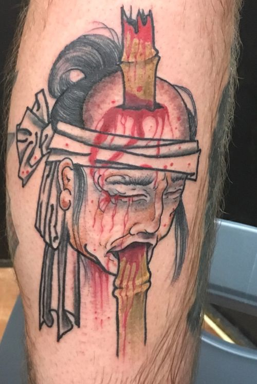 Namakubi severed head in bamboo spike #Namakubi #namakubitattoo #gore #severedhead #sevenfoxes #legtattoo