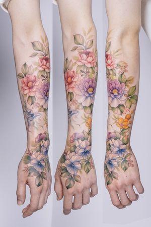 Great engineer's hand and arm #sleevetattoo #halvesleeve #flowertattoos #floraltattoo #colortattoos