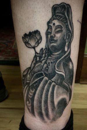 #jonosiris #tattoo #tattoos #kuanyin #guanyin #kuanyintattoo #blackandgreytattoo #goddess #bodhisattva #compassion #devi #tattoovinyasa