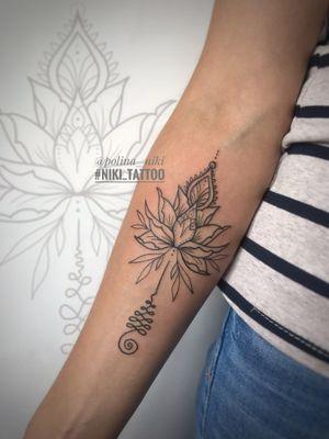 Instagram @polina_niki #tattoospb #spbtattoo #lotus #lotustattoo #tattoolotus #graphictattoo #tattoographic #linetattoo #niki_tattoo