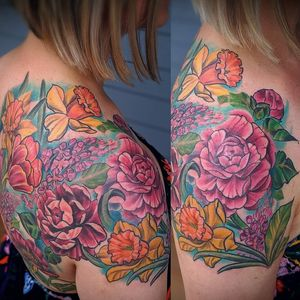 Gorgeous floral shoulder piece I have been working on the last year or so... More pics on my profile. :) More floral tattoos please! Email me at twiggytattooer@gmail.com to book . . . #floral #flowertattoo #flower #Fancy #floraltattoo #flower #iwantotattooflowers #tattoo #tattooartist #coloradoart #coloradotattoo #girlswithtattoos #artist #art #bodyart #chrysanthemum #chrysanthemumtattoo #mumtattoo #flowertattoo #florist #dandelion #lilacs #artist #denver #colorado #coloradoartist #coloradotattooartist #lyonstattoo #bouldercolorado #ladytattooer