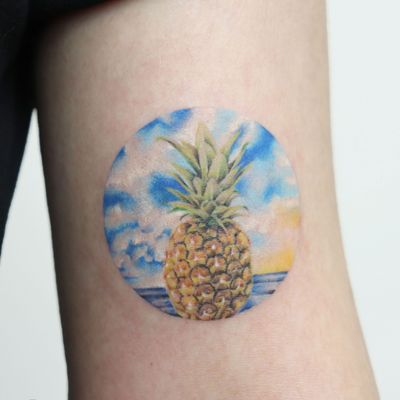 pineapple with singleneedle👍 #pineapple #pineappletattoo #fruittattoo #colortattoo #seatattoo #microtattoo #hawaiitattoo #aloha