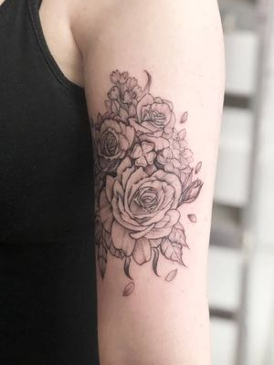 Delicate roses, lilacs, and a 4 leaf clover part 2