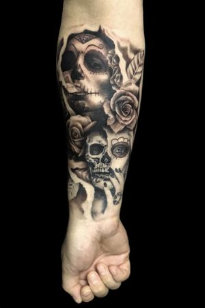 #realism #hyperrealism #realistic #blackandgreyrealism #dayofthedead #portrait #skull #woman #rose #smoke