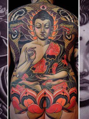 Beautiful tattoo by Bjorn Liebner #BjornLiebner #beautifultattoos #beautifultattoo #beautiful #tattooidea #besttattoo #awesometattoo #cooltattoo #neotraditional #buddha #buddhist #peony #snake #lotus #backpiece