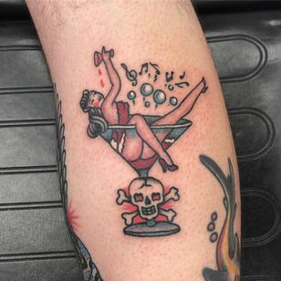 Sailor Jerry tattoo by Rich Cahill - Sailor Jerry Tattoo Festival #SailorJerry #SailorJerryTattooFestival #Traditional #TraditionalTattoo #TraditionalAmerican #Honolulu #Hawaii #oldschooltattoo #RichCahill