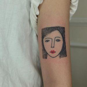 Portrait tattoo by Victor Zabuga #VictorZabuga #TattoodoApp #TattoodoApptattooartist #tattooartist #tattooart #tattooidea #inspiringtattoo #besttattoo #awesometattoo #handpoke #portrait #minimal #illustrative #arm