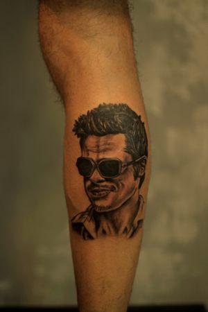 Each body has its Art #draw #ink #tattoo #tattooed #inked #instaart #tatts #drawing #design #dotworktattoo #tattoos #oldschool #oldschooltattoo #bradpitttattoo #tattooing #tattooer #artwork #btattooing #inklife #fightclub #bodyart#تاتو#mentattoos #fightclubtattoo #bradpitt #portraittattoo #hearttattoo #تاتو#fkironsxion
