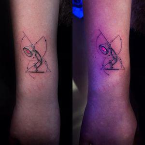 UV Ink Tattoo by vaaadaaa_ #vaaadaaa_ #uvinktattoo #uvink #uvtattoo #ultraviolet #ultraviolettattoo #uv #illustrative #lamp #forearm #arm