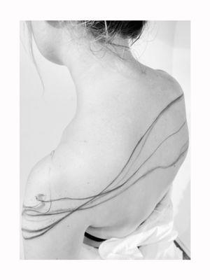 #abstractlines #abstract #lines #floral #andresamarski #samarskiart #fineline