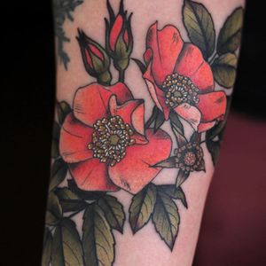 Flower tattoo by Kirsten Holliday #KirstenHolliday #badasstattoos #womentattoos #womenempowerment #femaleempowerment #queer #femme #female #ladies #reclaim #smashthepatriarchy