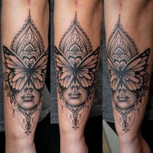 Very relaxing session :) Lady butterfly with mandala 😍 Thank you Sandra ;) #dktattoos #dagmara #kokocinska #coventry #coventrytattoo #coventrytattooartist #coventrytattoostudio #mandala #mandalatattoo #mandaladesign #portrait #butterflytattoo #blackandgraytattoo #tattoo #tattoos #tattooideas #tatt #tattooist #tattooshop #tattooedgirl #tattooforgirls #killerbee #immortalinnovations #sabre #pantheraink #realistictattoo