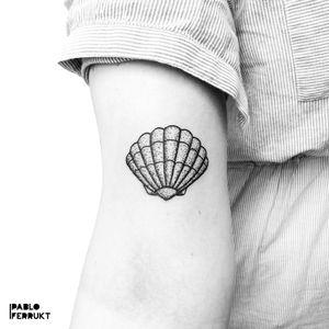 Dotwork shell for Linea, thanks so much!  Done @tattoosalonen . Appointments at email@pabloferrukt.com or DM. #dotworktattoo . . . . #tattoo #tattoos #blackwork #ink #inked #tattooed #tattoist #blackworktattoo #copenhagen #købnhavn #33139313 #tatoveriger #tatted #geometrictattoo #theoldbarbershop #tatts #tats #denmark #tattedup #inkedup #berlin #berlintattoo #tattoosalonen #dotworktattoo #berlintattoos #dotworktattoos #dotwork  #shelltattoo