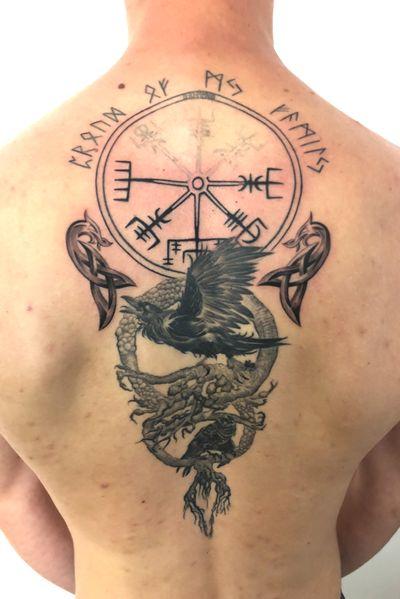 #viking#hugin#mugin#crowl#treeoflife#odin#valhala#blackandgrey