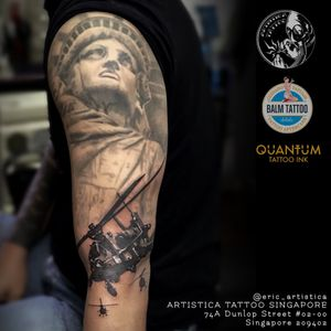 Statue of liberty with flying helicopter requested by client. Black and grey piece.🤘🏻 #tattoo #tattooed #tattoosocial #ilovetattoos #tattoolover #sgtattoo #singaporetattoo #statueofliberty #blackandgreytattoo #helicoptertattoo #armtattoo #artistica #artisticasingapore #artisticatattoo #ericartistica #ericlohtattoos #balmtattoo #balmtattoosg #balmtattooteamsg #balmtattooartist #balmtattoosingapore #dragonbloodbutter #quantumtattooink #quantumtattooink_sea #criticaltattoosupply #nedzrotary #stencilanchored