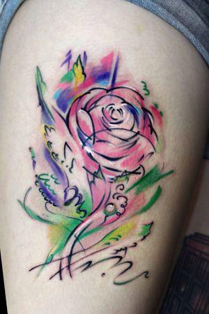 Watercolor flower done by @bartt_tattoo at Highonart studio #flower #inked #londontattoo #watercolour #colourtattoo #highonartstudio #colourtattoo #londonink