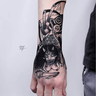Horror tattoo by Ooqza #Ooqza #darkart #horrortattoo #horror #darkarttattoo #darkness #evil #wicked #satanic #demonic #dark #hand #arm #yokai #japanese #knife #spider #monster
