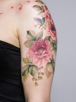 #flowertattoo #꽃타투 #타투 #armtattoo #halfsleeve #tattooedgirl #peonytattoo #작약타투 #tattoo #tattooing #tattooartist #koreatattoo #감성타투 #홍대타투 #칼라타투 #colortattoo #inked