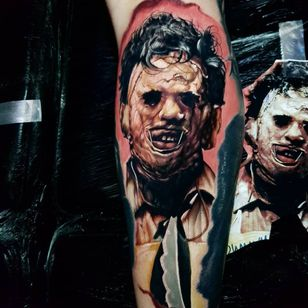 Horror tattoo by Alex Wright #AlexWright #darkart #horrortattoo #horror #darkarttattoo #darkness #evil #wicked #satanic #demonic #dark #color #realism #realistic #hyperrealism #leatherface #serialkiller #arm