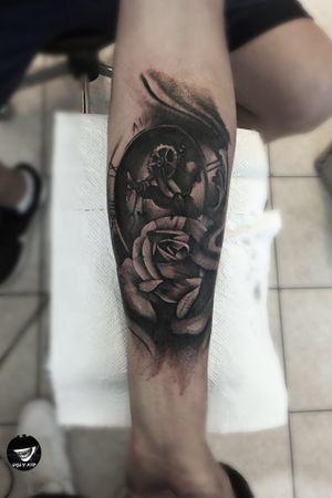 #poland #polska #whipshading #blackandgreytattoo #tattoo #tattoos #rosetattoo #clock