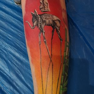 #salvadordali #salvadordalitattoo #painting #paintingtattoo #elephant #elephanttattoo #calf #calftattoo #colourtattoo #tattoo #ink #wientatto #vienatattoo