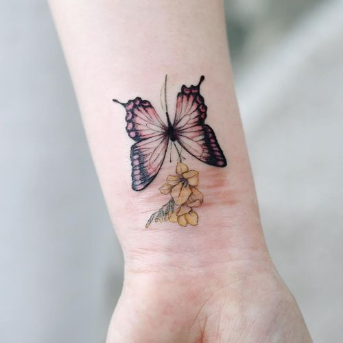 Butterfly tattoo by Tattooist Dal #TattooistDal #butterflytattoo #butterflytattoos #butterfly #moth #wings #insect #nature #flower #floral #plant #scarcoverup #arm