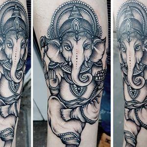 westend.tattoo_wien #wientattoo #tattoovienna #symboltattoo #ganeshatattoo #blackandwhitetattoo #wienwestendtattoo