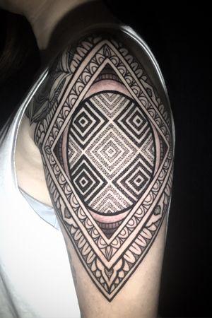 #patterntattoo #geometry #blackandgrey