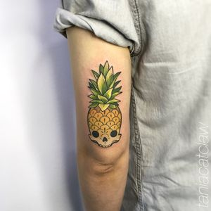 Pineapple skull by tania catclaw