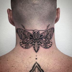 #tattoo #tattoooftheday #photooftheday #tatouage #butterfly #butterflytattoo #butterflymandala #mandala #mandalatattoo #papillon #papillontattoo #dot #dotwork #dotworktattoo #dotworker #petitspoints #stippletattoo #lausanne #lausannetattoo #tattoolausanne #blackandwhitetattoo #fann_ink