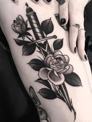 #dagger #rose #daggerrose #idlehand #sanfrancisco #blackwork #traditional #derickmontez