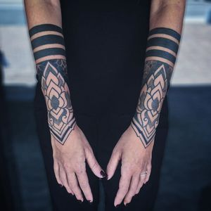 Arm band tattoo by Luca Benevento #LucaBenevento #armband #armbandtattoo #band #bracelet #bands #arm #linework #dotwork #blackwork #flower #floral #geometric
