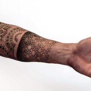 Arm band tattoo by Dillon Forte #DillonForte #armband #armbandtattoo #band #bracelet #bands #arm #sleeve #sacredgeometry #geometric #dotwork #mandala