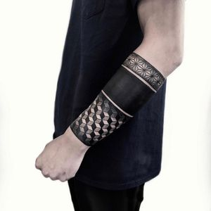 Arm band tattoo by Neeno #Neeno #armband #armbandtattoo #band #bracelet #bands #arm #blackwork #sacredgeometry #geometric #pattern #blackfill #arm
