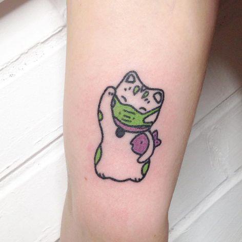 Handpoke tattoo by Anna aka Pom Determinism #Anna #PomDeterminism #handpoketattoo #handpoke #stickandpoke #cyberpunk #cyber #surrealism #linework #dotwork #strange #weird #unique #philosophy