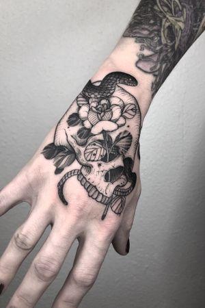 Snake,skull,and rose! #snaketattoo#rosetattoo#skull#skulltattoo#handtattoo#lasvegastattooartist