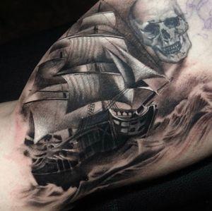 Ghost ship. Skull not by Sam